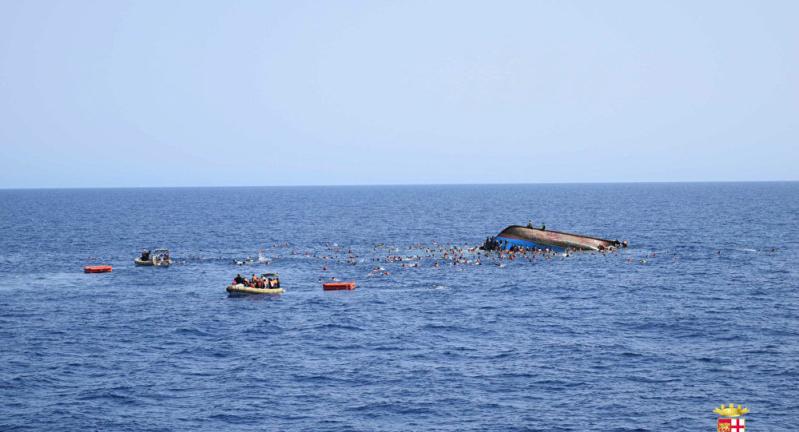 انتشال 62 جثة لمهاجرين قبالة ليبيا