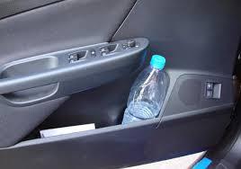 تعرف على خطورة ترك زجاجات المياه داخل السيارة - المواطن