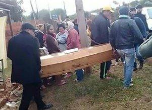 شاب ميت يفاجئ ذويه بحضور جنازته - المواطن