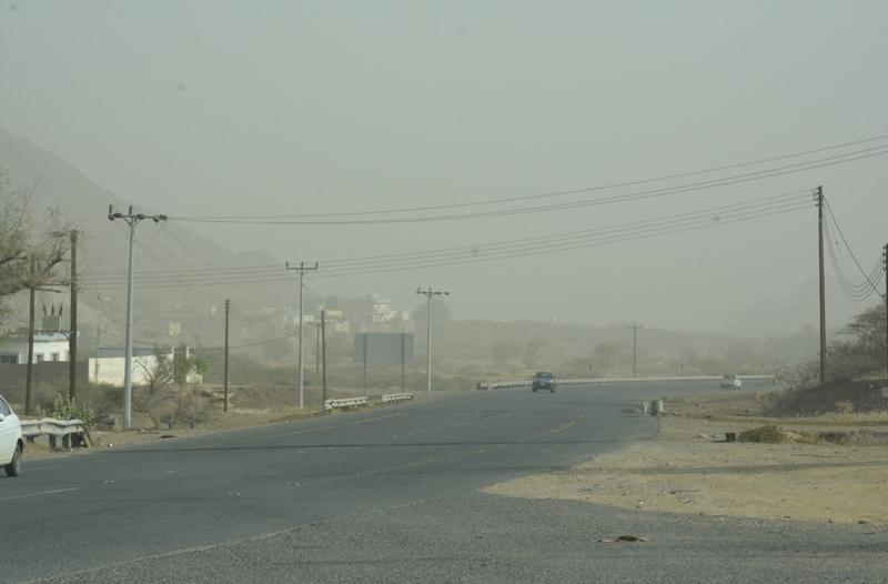 الأرصاد تحذر سكان 3 مناطق من موجة غبار تستمر حتى الصباح