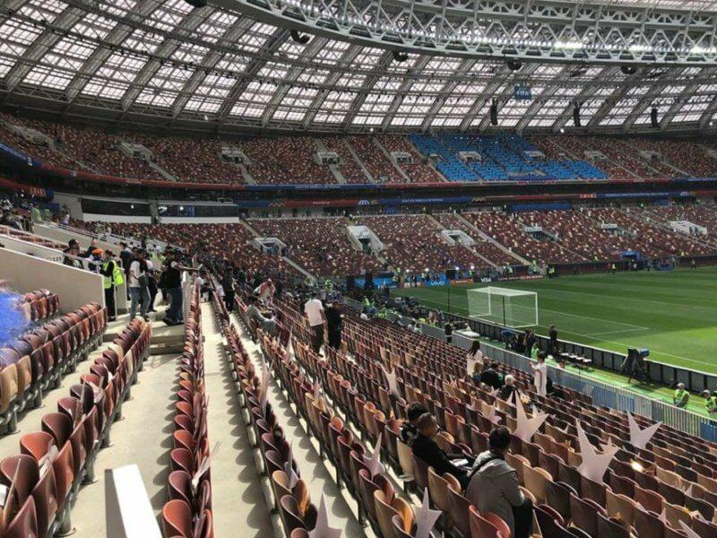 """شاهد بالصور والفيديو .. """" المواطن"""" تُوثق لحظات دخول الجماهير مدرجات مباراة السعودية وروسيا - المواطن"""