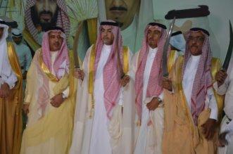 بالصور.. أوبريت الجهات الأربع يلهب حماس أهالي خميس مشيط في العيد - المواطن