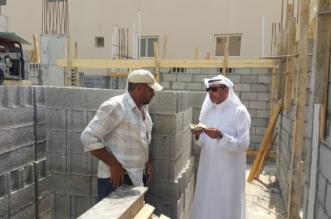 6 مخالفات لقرار منع العمل تحت أشعة الشمس في القطيف