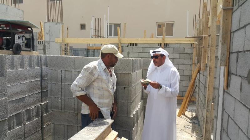 41 مخالفة لقرار منع العمل تحت أشعة الشمس في الرياض
