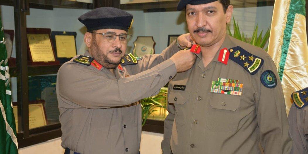 مدير مدني مكة يقلد العميد القرشي رتبته الجديدة