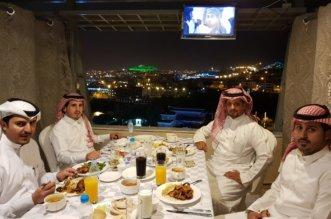بالصور.. إفطار رمضاني لمنسوبي العلاقات العامة بالشؤون الإسلامية في عسير - المواطن