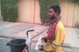 بالصور.. تربية الدرعية توزع 100 وجبة إفطار وتحتفي بإسلام إحدى العاملات - المواطن