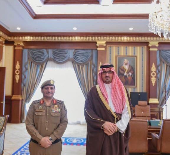 سعود بن خالد يقلد اللواء عبدالرحمن المشحن رتبته الجديدة