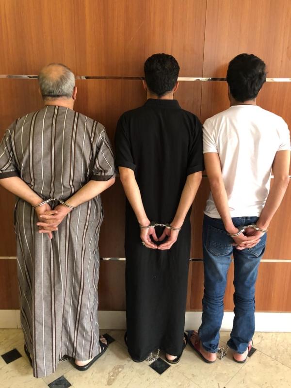 بالصور.. خدعة عصابة الدهس في الرياض لم تفلح والشرطة تضع حدًا لألاعيبهم!