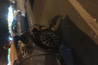 بالصور.. حادث مروري يربك حركة المرور على طريق الملك خالد بخميس مشيط - المواطن