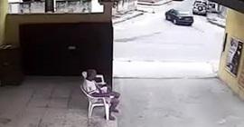 شاهد.. مركبة تعترض سيدة وتختطفها داخلها - المواطن