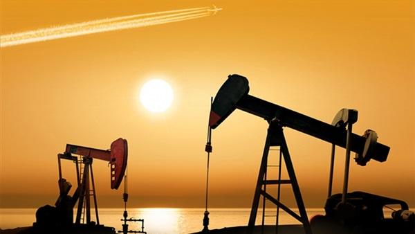 النفط يقترب من 73 دولاراً للبرميل
