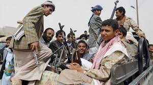 علماء اليمن تتهم مليشيات الحوثي الانقلابية بنهب المعونات الإغاثية - المواطن