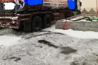 شاهد.. السيطرة على حريق صهريج بنزين داخل محطة وقود بالأحساء - المواطن