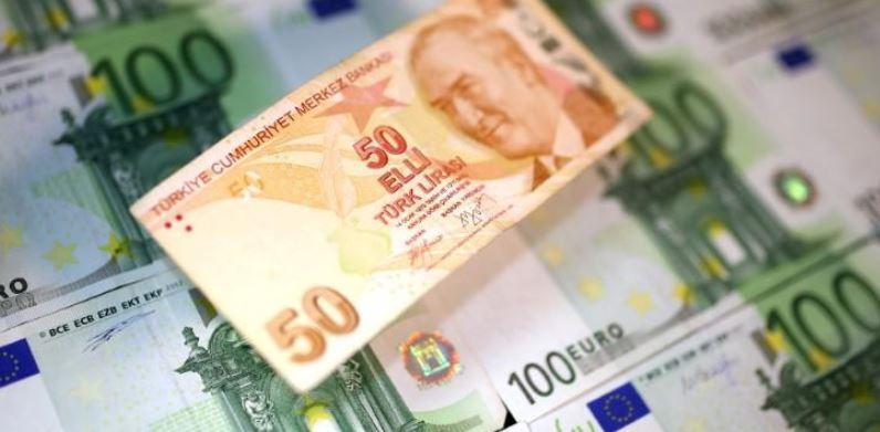 الليرة التركية تدفع ثمن إعلان البرنامج الاقتصادي