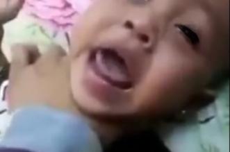 من قسوة المشهد.. يوتيوب يحذف فيديو أم تعذب بنتها في جدة - المواطن