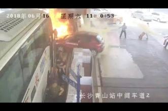 شاهد.. شجاعة عمال تنقذ محطة بنزين من كارثة محققة - المواطن