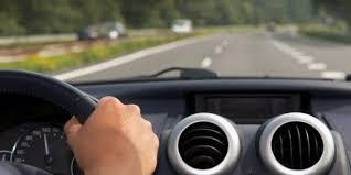 4 أسباب وراء اهتزاز السيارة أثناء القيادة على الطريق - المواطن