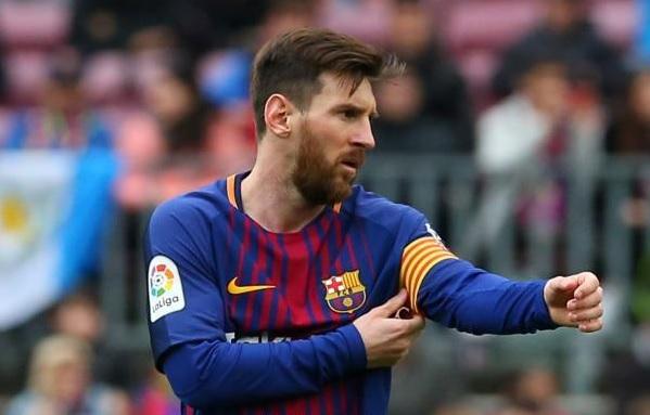 بعد رحيل إنيستا.. ميسي قائد برشلونة في الموسم الجديد