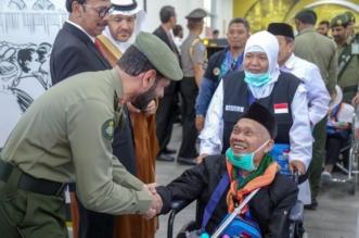 ضمن طريق مكة.. استقبال أولى رحلات الحج لمطار المدينة من إندونيسيا بالورود - المواطن