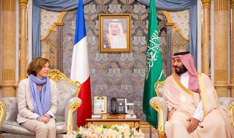 ولي العهد يوقع اتفاقية حماية المعلومات مع وزيرة القوات المسلحة الفرنسية