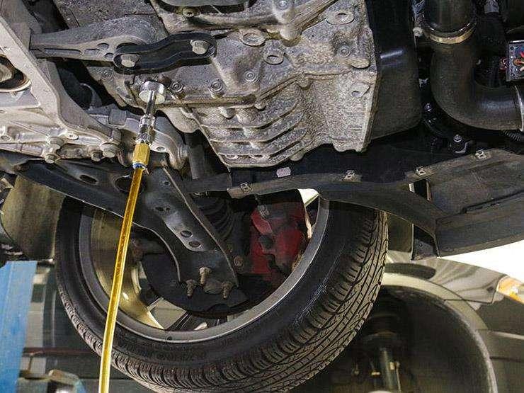 هذه أضرار تأخير تغيير زيت السيارة