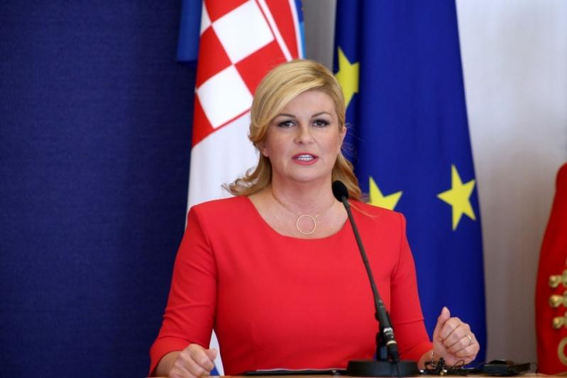 كوليندا غرابار كيتاروفيتش رئيسة كرواتيا تستلهم تجربة ألمانيا قبل موعد نهائي كأس العالم