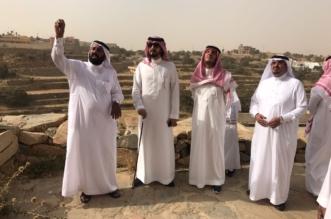 بالصور.. حفاوة الأهالي تستقبل محمد بن فهد في متحف وقرية آل عليان التراثية - المواطن