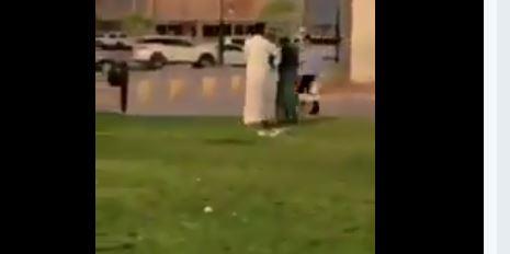 الإطاحة بمواطن اعتدى على عامل نظافة بحديقةٍ عامة في الرياض