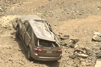 بالصور.. إصابة وافد عربي انقلبت مركبته بعقبة قدران في محايل عسير - المواطن