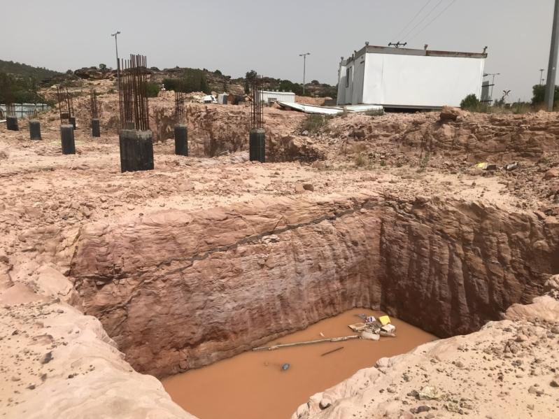 فيديو وصور.. حفر الموت في أشهر متنزهات عسير تنتظر ضحاياها