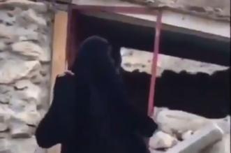 عجوز ترتاح بعد بناء منزلها .. طقطقة على القرض السكني - المواطن