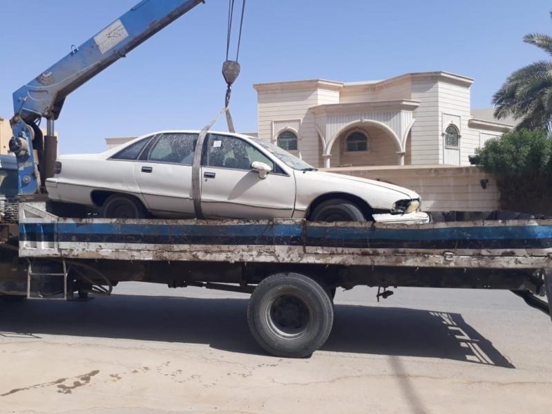 بالصور.. إزالة أكثر من 8 آلاف مركبة مهملة وتالفة عن طرقات الرياض