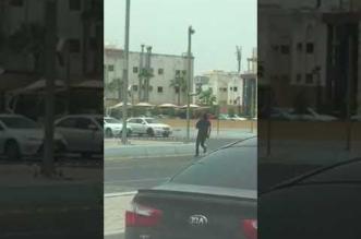 بالفيديو.. ملثم يهشم كاميرا ساهر بوضح النهار - المواطن