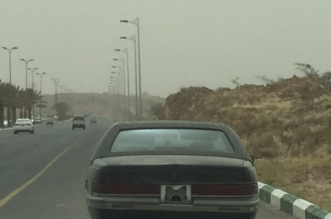 بالصور.. مركبة سوداء تعيق المرور على شارع رئيسي بأحد رفيدة منذ 4 أشهر! - المواطن