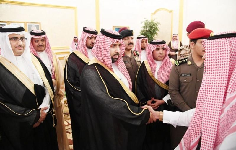 السعودية اليوم – بالصور.. أمير جازان بالنيابة يستقبل المواطنين ويستمع إلى مطالبهم