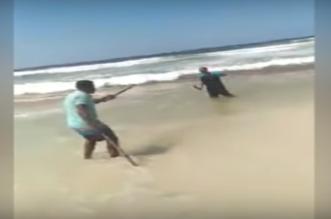 منعه من معاكسة زوجته فقتله طعناً على شاطئ الإسكندرية - المواطن