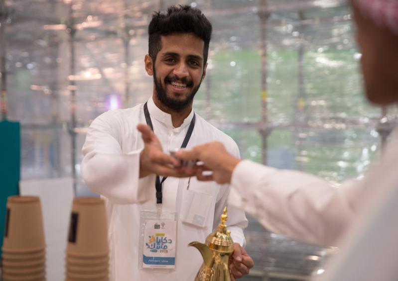 في حكايا مسك .. الشاب زياد ترك الدكتوراه ليعيد الاعتبار للقهوة العربية