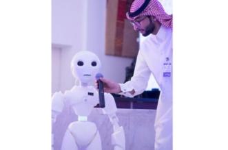 باحث سعودي يبتكر أول روبوت يفهم اللهجة المحلية للمملكة - المواطن
