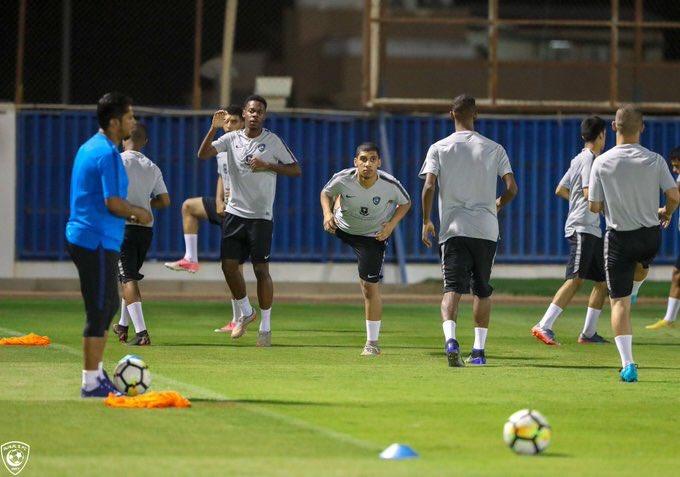 مباراة الهلال ضد الفيحاء .. المدربان يدفعان بالقوة الضاربة