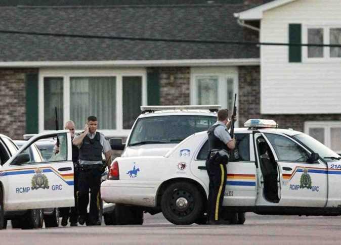شرطة كندا تتعامل مع عملية احتجاز رهائن في مونتريال