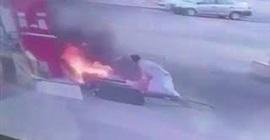 شاهد.. قائد مركبة يتسبب في إشعال النيران بمحطة وقود بنجران - المواطن
