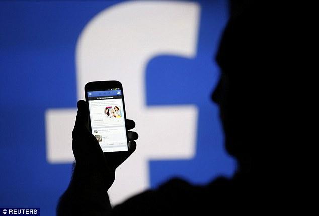 رقم صادم.. فيسبوك يعلن عن عدد الحسابات المُخترقة مؤخرًا