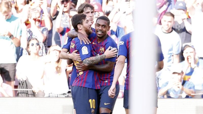 برشلونة ضد بوكا جونيورز .. ميسي يوسع الفارق مع أساطير البارسا