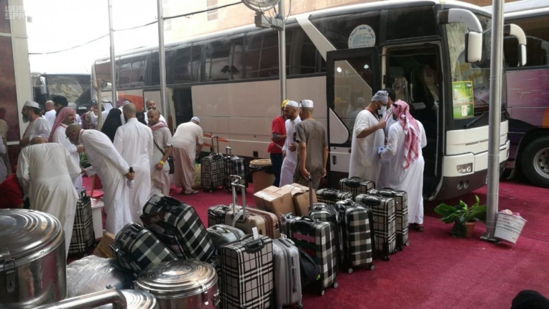 بالصور.. الحجاج يغادرون مكة.. ويؤكدون: المملكة قدمت خدمات وتسهيلات لا ينكرها إلا حاقد