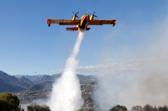 حريق يبتلع طائرة حاولت إخماده وتفحم جثة قائدها - المواطن