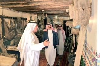 بالصور.. تركي بن محمد يزور الحي التاريخي بالنماص - المواطن