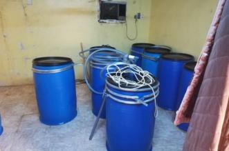 بحوزتهم أموال مزورة.. عمالة مجهولة الهوية تدير مصنعًا للخمور في أبو عريش - المواطن
