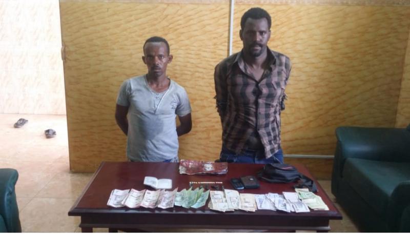 سقوط إثيوبيين في محايل يروجون للمخدرات والمسكرات - المواطن