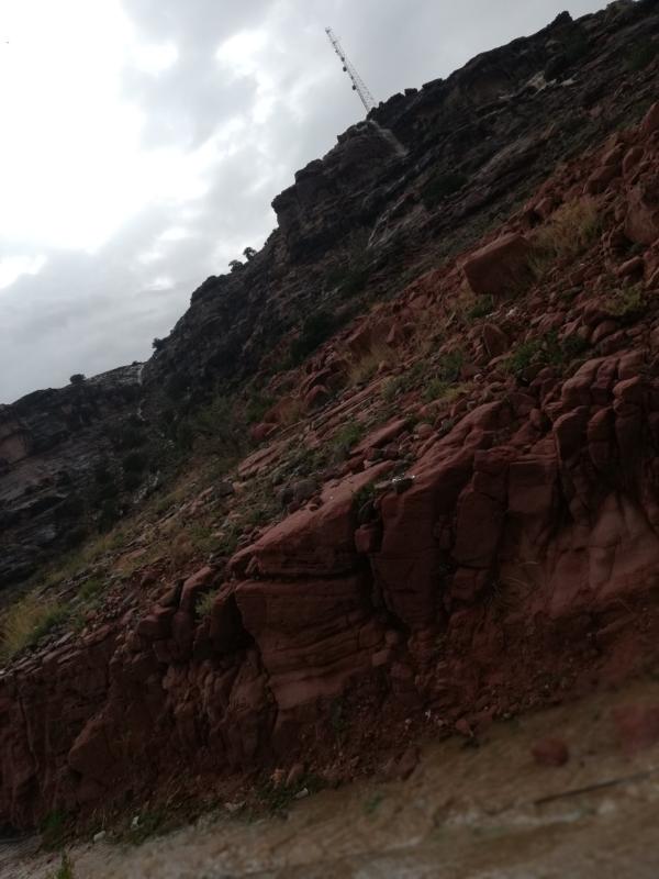 بالفيديو والصور.. الأمطار تجذب المتنزهين بمنتزه الحبلة السياحي - المواطن
